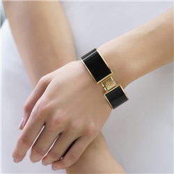 Champagne Plate Bangle Black