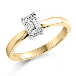 Newbridge Silverware 18ct Yellow Gold Emerald Cut Diamond Ring