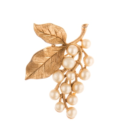Vintage Trifari Gold Plated Leaf Brooch  - Click to view a larger image