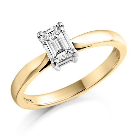 18ct Yellow Gold Emerald Cut Diamond Ring   - Click to view a larger image