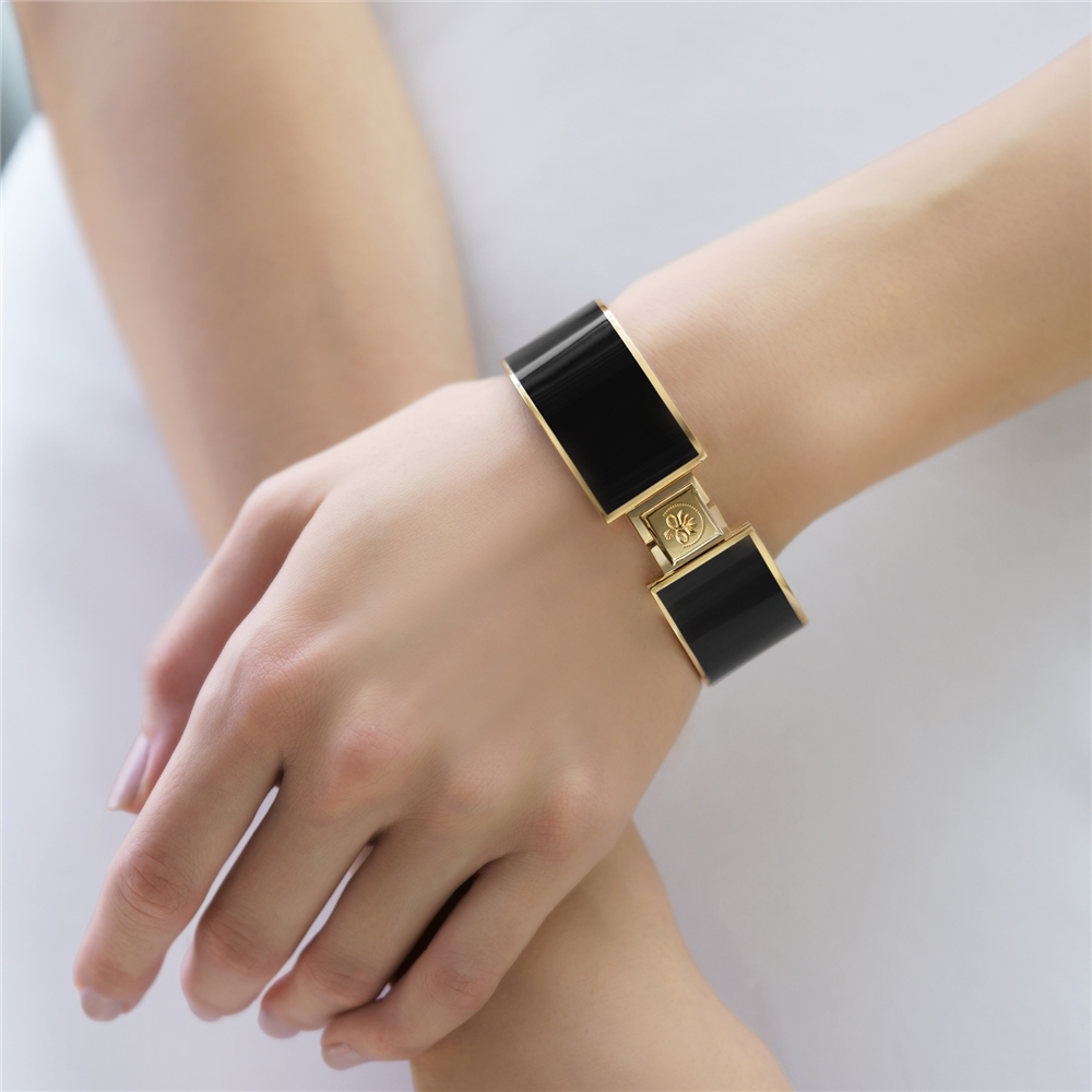 Champagne Plate Bangle Black 1
