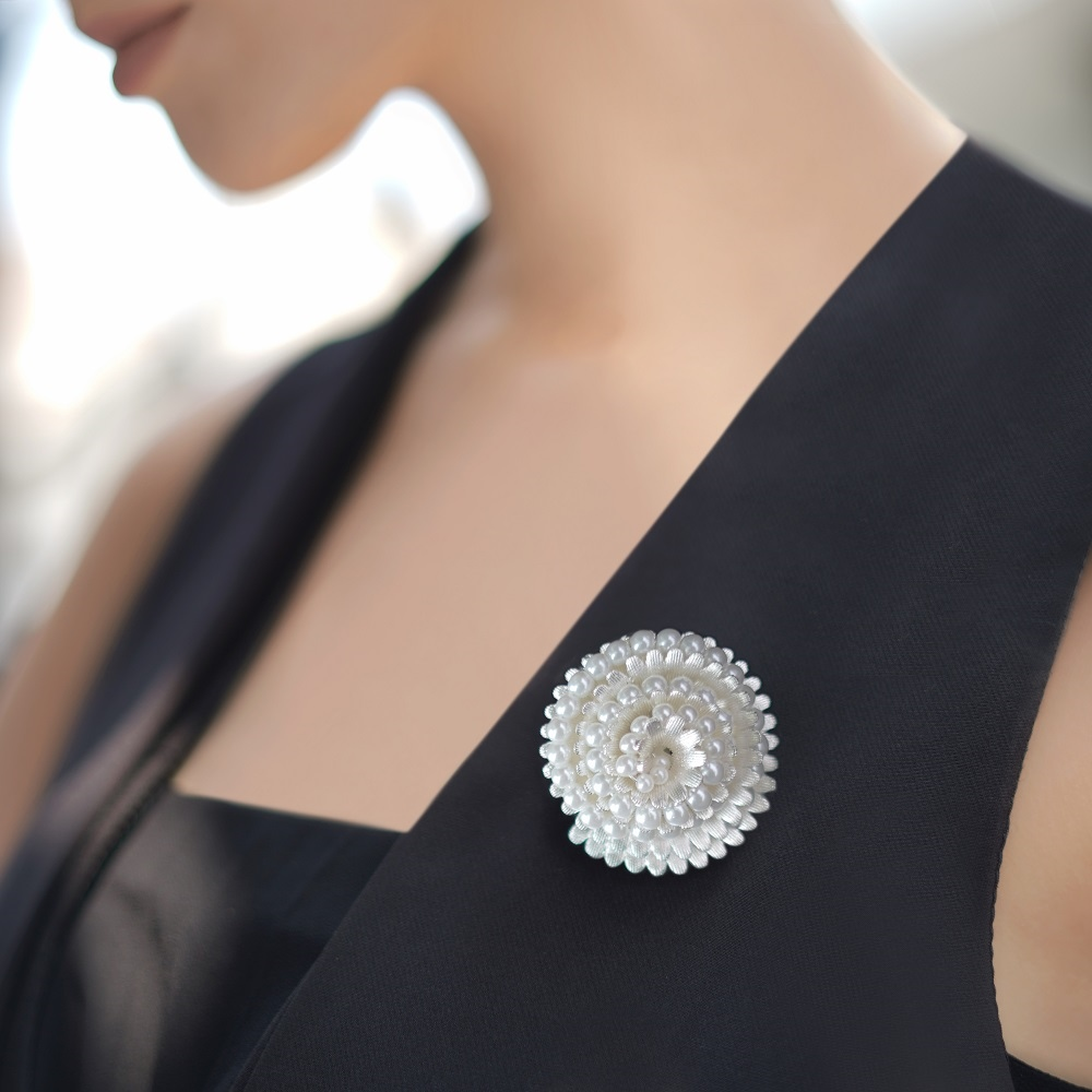 Vintage Brooch with Pearl Stone Settings 1